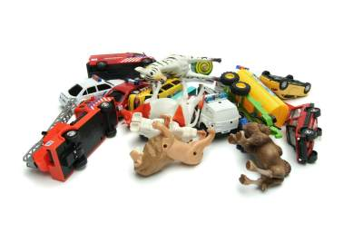 2. Bawa Mainan Kesukaan Si Kecil