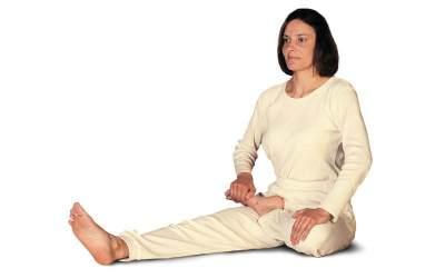 Inilah 3 Gerakan Yoga untuk Ibu Hamil Muda yang Aman & Praktis Dipraktikkan di Rumah!