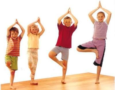 Inilah 5 Manfaat Yoga Untuk Si Kecil!