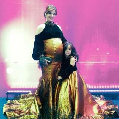 Yuk, Intip Tampilan Gaun Hamil Elegan yang Memukau Ala Nia Ramadhani!