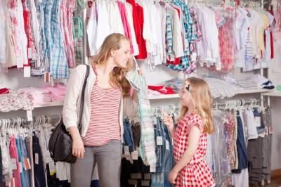 4) Beri kesempatan anak menentukan pilihan sendiri