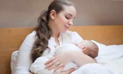 3) Perhatikan Cara Menggendong Bayi yang Benar