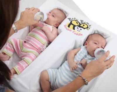 Inilah 8 Tips yang Perlu Kamu Terapkan Ketika Menyusui Bayi Kembarmu!