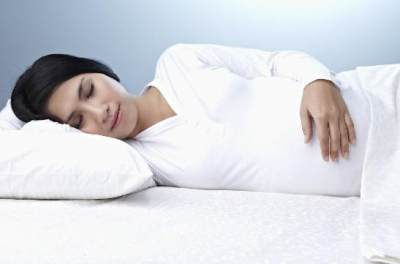 Fakta Pentingnya Tidur Selama Kehamilan yang Harus Kamu Tahu