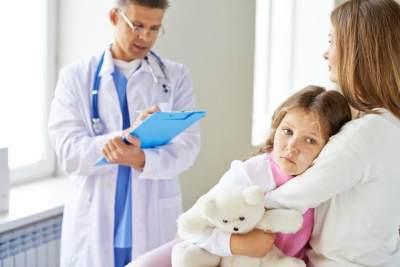 Psst... Ini Dia Tips Jitu Mengatasi Anak Takut ke Dokter!