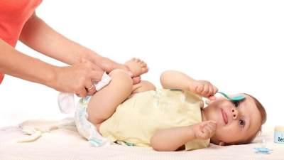 Jangan Sampai Salah! Yuk, Intip Cara Merawat Bayi yang Benar di Rumah untuk Pasangan Muda
