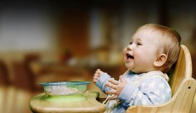Melatih Bayi untuk Tidak Menjadi Picky Eater