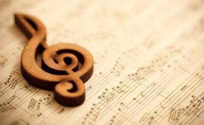 Musik yang Tepat Didengarkan Saat Hamil