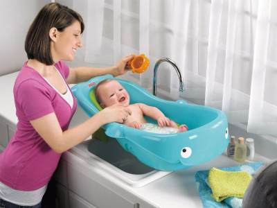 Biar Enggak Salah, Cari Tahu Cara Memandikan Bayi yang Benar, Yuk!