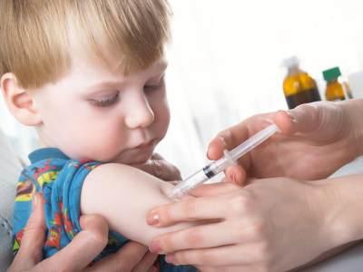 1) Imunisasi dapat Meningkatkan Sistem Imun Anak
