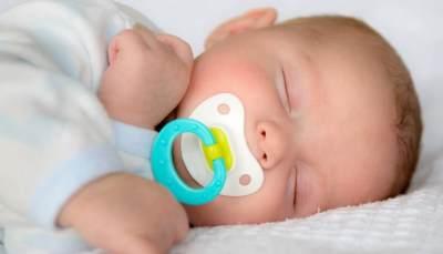 Ternyata Ada Beberapa Bahaya dari Penggunaan Empeng Bayi, Orangtua Wajib Tahu!