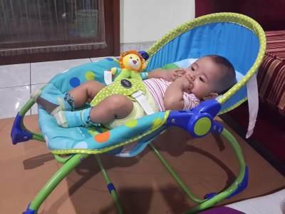 Wajib Tahu, Ini Dia Pro dan Kontra Bouncer Untuk Bayi