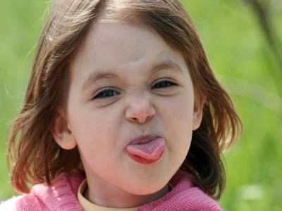 5. Bantu anak-anak membaca ekspresi wajah