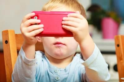 Jangan Pusing Moms! Ini 5 Tips Jitu Mengatasi Anak yang Kecanduan Gadget