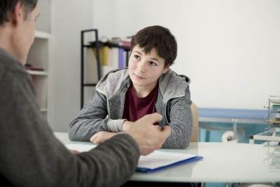 5) Minta Bantuan atau Nasehat dari Ahli untuk Mengatasi Kenakalan Anakmu