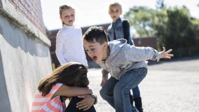 Ajarkan Cara Keren Ini Agar Anak Tak Mudah Jadi Bahan Bully di Lingkungannya!