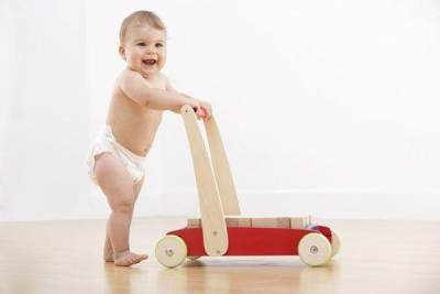 Kapan Anak Mulai Berjalan? Kenali Tahapan-tahapan Berikut!