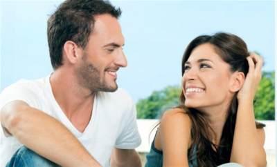 6) Hindari Mengkritik Mertua Di Hadapan Suami
