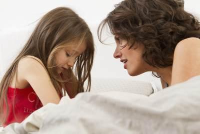 1) Buatlah Anak Nyaman Bercerita tentang Bully yang Dialaminya