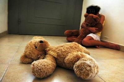 Sebelum Terlambat, Kenali Tanda-tanda Bahwa Si Kecil Telah Mengalami Pelecehan Seksual!