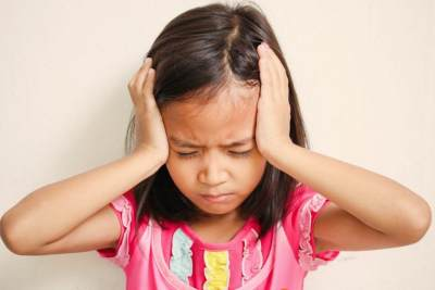 4) Sakit Kepala