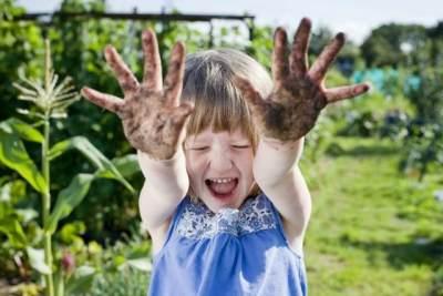 5) Jangan Terlalu Protektif pada Anak