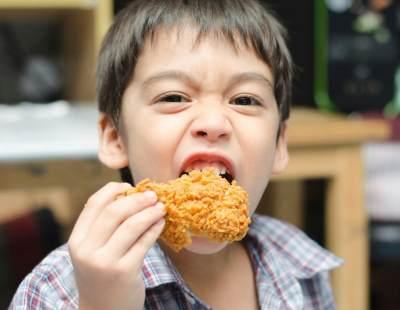Tak Ingin Kecerdasan Anak Menurun?  Jauhkan 4 Makanan Ini dari Si Kecil!