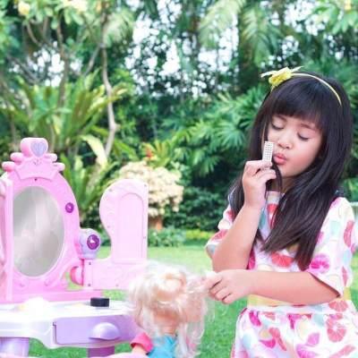Manisnya! Ini 4 Model Poni Anak Perempuan yang Paling Hits di Tahun 2017