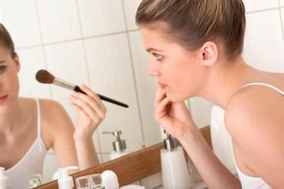 5. Produk Make Up