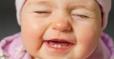 Jangan Sampai Telat Yuk Moms! Ternyata di Usia Ini Bayi Sudah Tumbuh Gigi