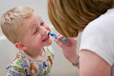Jelaskan Manfaat Menyikat Gigi
