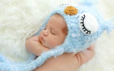 Moms, Ini Lho Kebiasaan Bayi Baru Lahir yang Mesti Dipahami