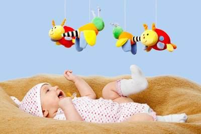 Moms, Ini Rekomendasi Mainan untuk Bayi Usia 0-12 Bulan!