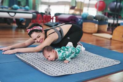 Pilates Olahraga Ringan Pasca Melahirkan
