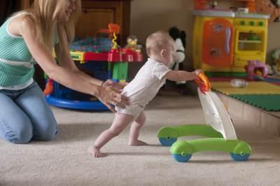 5. Pancing dengan Mainan