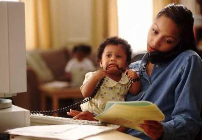 Nah, Ini Dia Tips Membagi Waktu Dengan Anak Dan Keluarga Untuk Para Ibu Bekerja