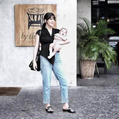 Cantiknya! Ini Dia Inspirasi Style Baju Menyusui Yang Fashionable Untuk Jalan-Jalan