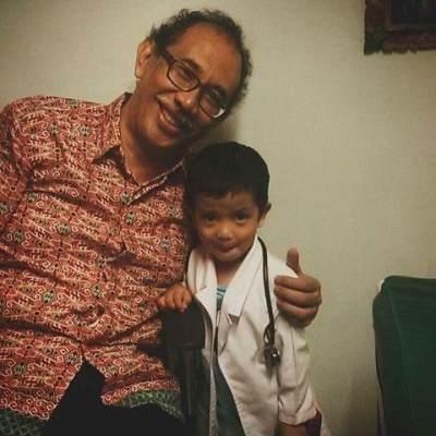 3.  Dr. Waldi Nurhamzah, Sp.A