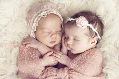 Inspirasi Nama Anak Kembar Perempuan