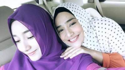 Tengku Syaira Anataya dan Cindy Fatika Sari