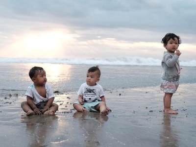 Anak Chua Kotak dan Tya Ariestya, Bersahabat dari Dalam Perut