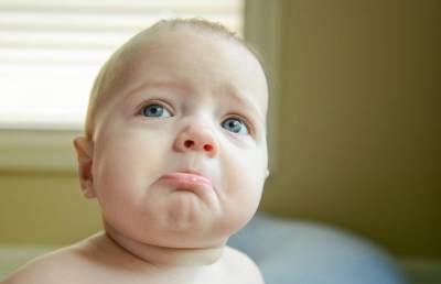 Bingung Bayi Rewel dan Sering Menangis?Yuk, Ketahui Kondisi Kesehatannya dari Warna BAB!