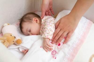 Huuff, Bayi Susah Tidur? Coba Pakai 4 Cara Jitu Ini Deh Moms!