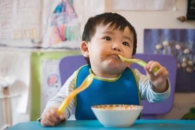 It's Shopping Time! Ikuti Tips Belanja Perlengkapan Makan Bayi Unik dan Sehat Berikut!