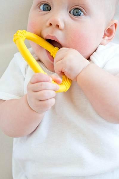 Teether : Mainan Bermanfaat Untuk Bayi