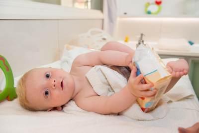 Moms, Perhatikan 3 Hal Ini Sebelum Mengajak Bayi ke Baby Spa!