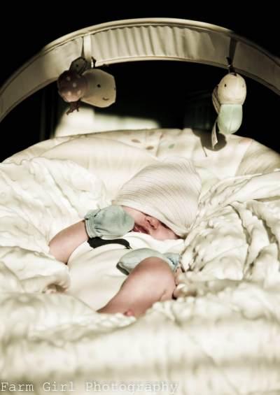 Jangan Sampai Salah, Ini Dia Langkah Menjemur Bayi Yang Benar