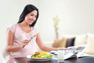 5. Hamil Bukan Berarti Makan untuk Dua Orang