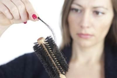 Penyebab Rambut Rontok Setelah Melahirkan