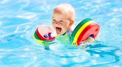 3. Keliru Menggunakan Perlengkapan Berenang